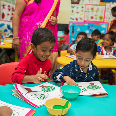 Kids Arts and Crafts at Shraddha Childrens Academy